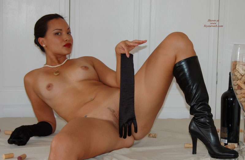 Naked chicks in boots